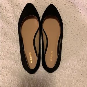 NWOT Pointed Black Flats